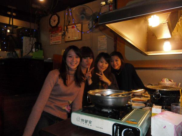 20110211四位美女光臨本店